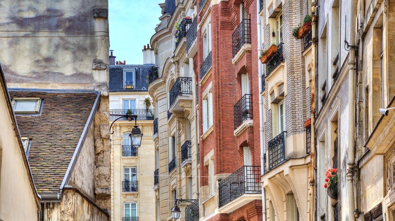 Traditional parisian residential buildings. Paris, France.