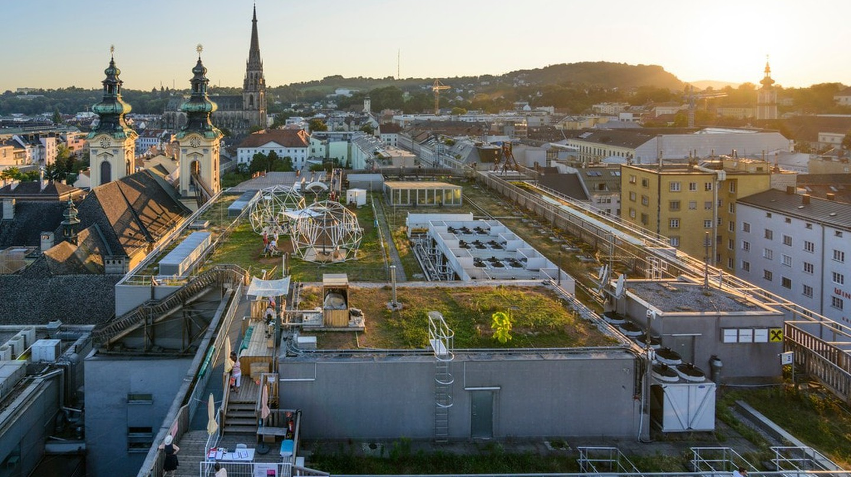 The sun setting over Linz   © Austrian Tourist Board