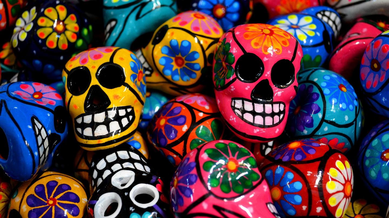 Day of the Dead-inspired ceramic skulls | © David Boté Estrada / flickr
