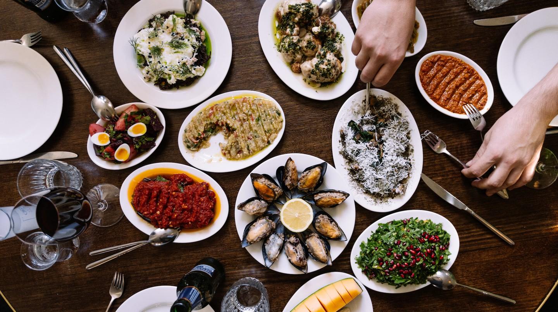 Share plates at Stanbuli