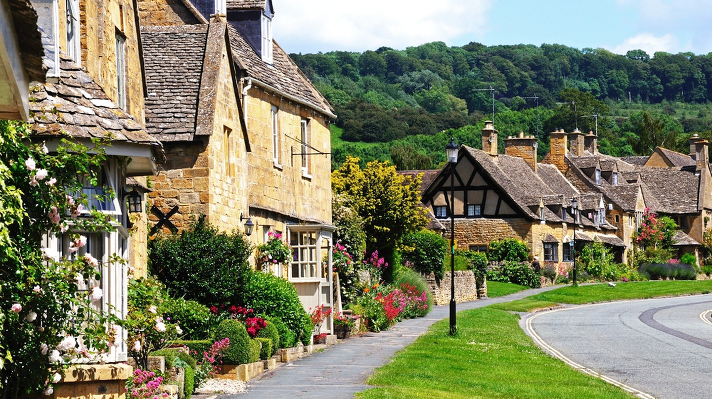 Cottages along High Street, Broadway, Cotswolds.