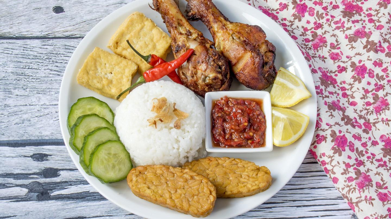 Ayam penyet with sambal belacan, tempeh and tofu
