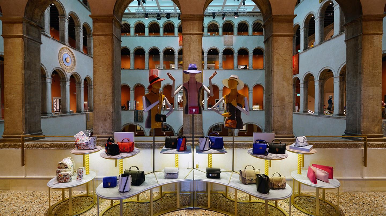 Venice's Fondaco dei Tedeschi shopping mall
