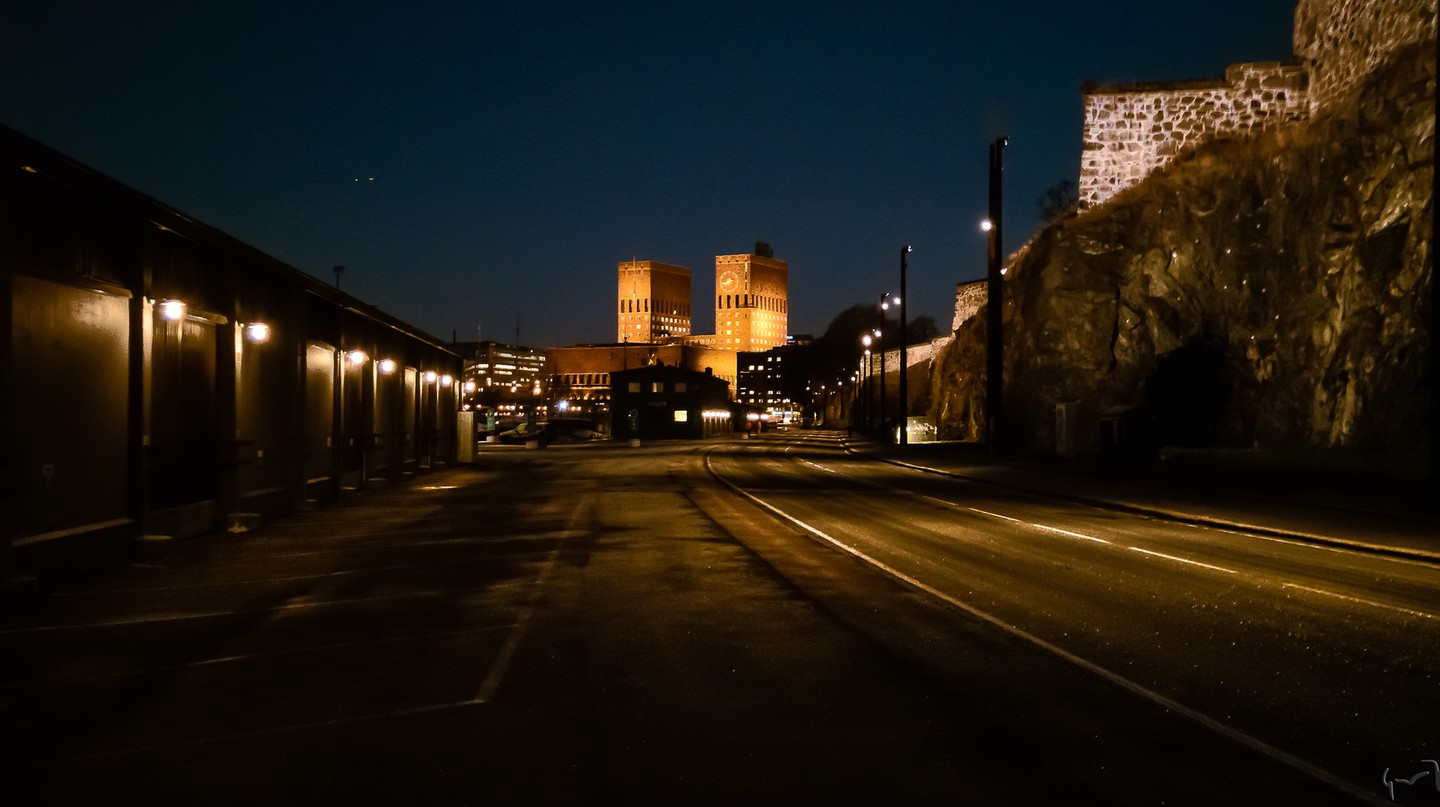 There is a belief that crying voices can be heard echoing from Akershus Fortress at night