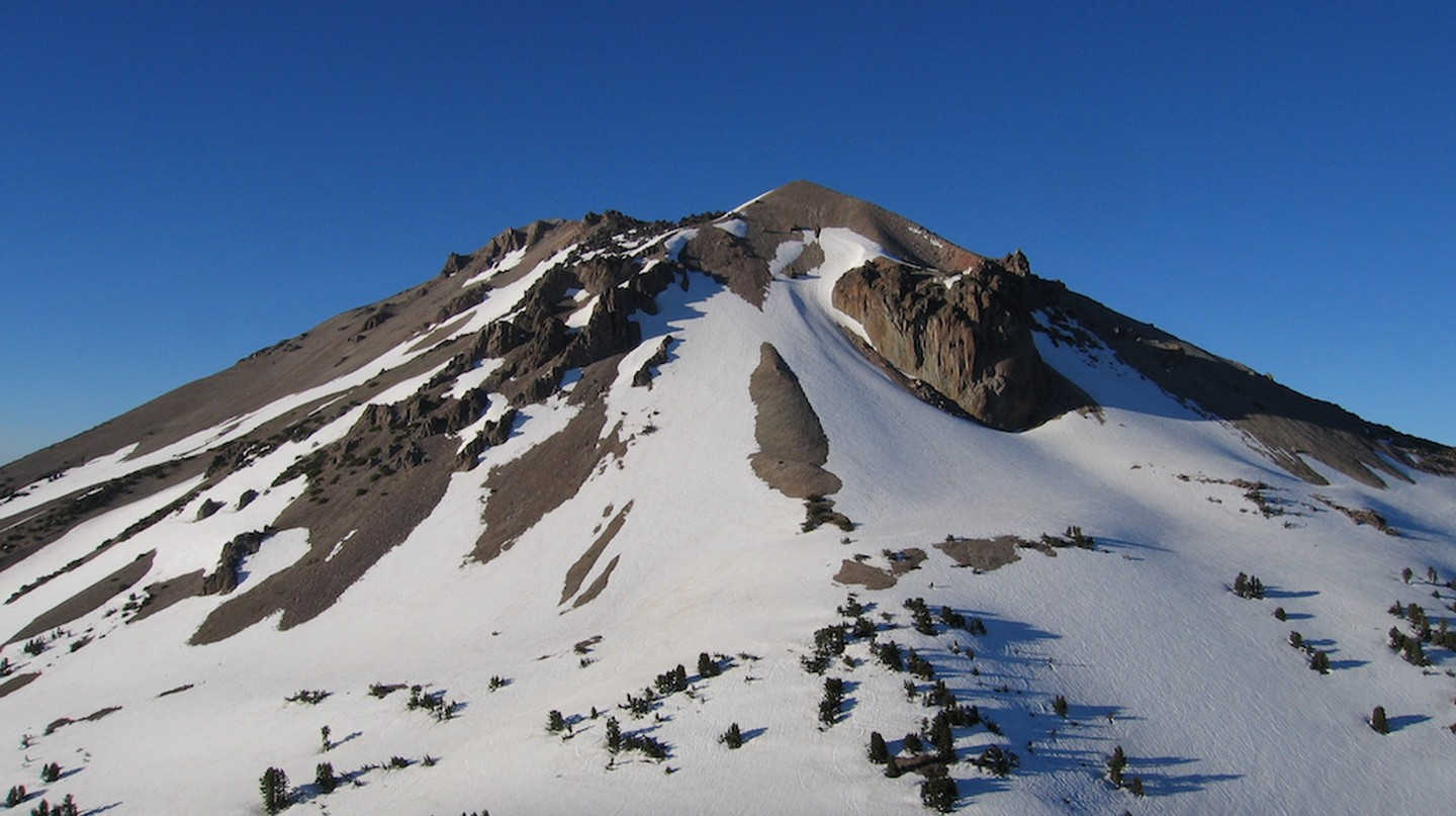 Lassen Peak anchors a range of plug dome volcanoes at the southern end of the Cascade Range
