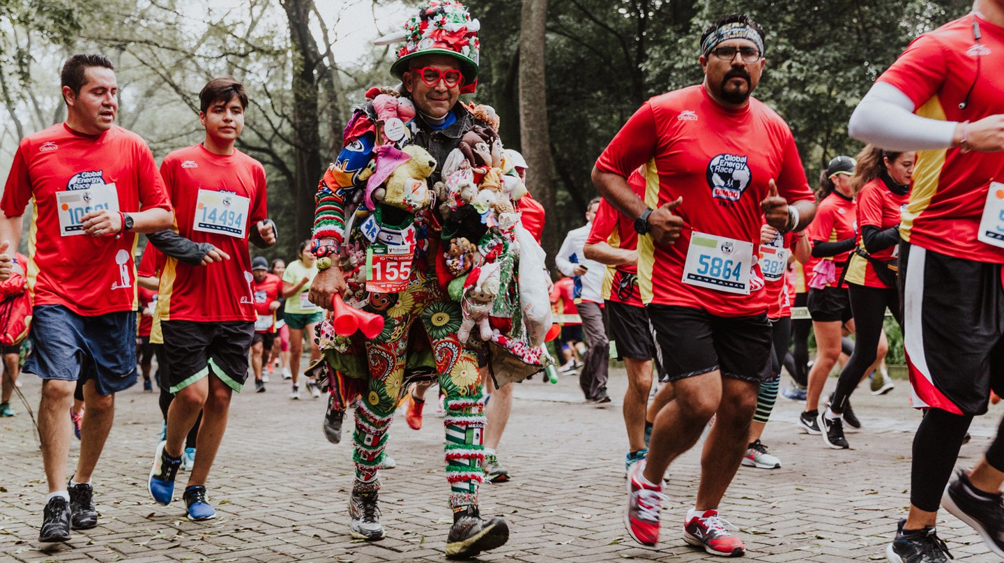 Meet the 60-Year-Old from Mexico Who Runs Marathons Covered in Teddy Bears