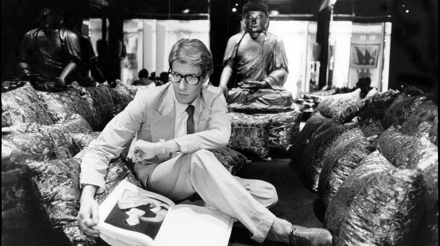 Yves Saint Laurent in his apartment, 55 rue de Babylone, in 1977