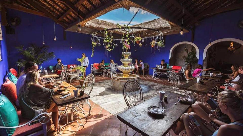 El Bazar courtyard seating area | © El Bazar