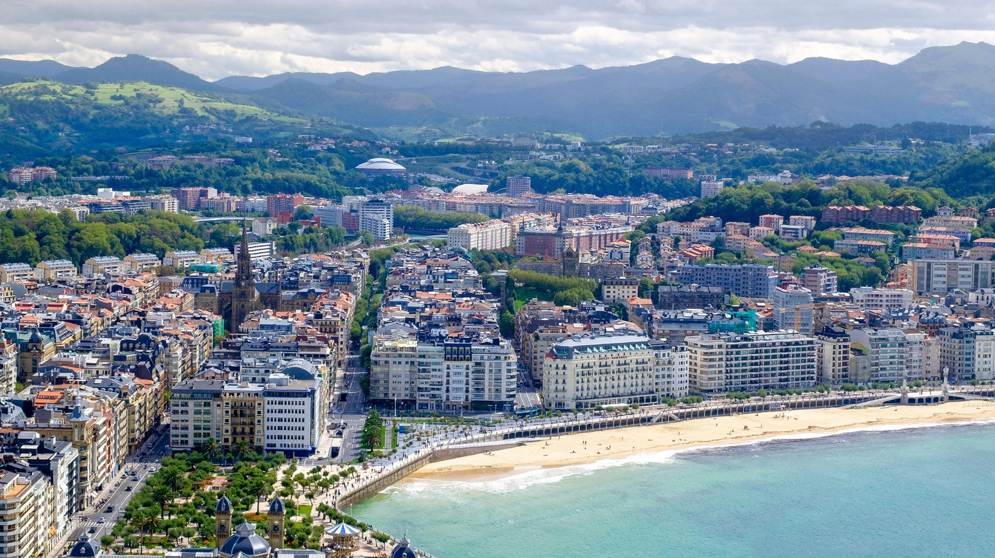 San Sebastián is on the northwestern coast of Spain