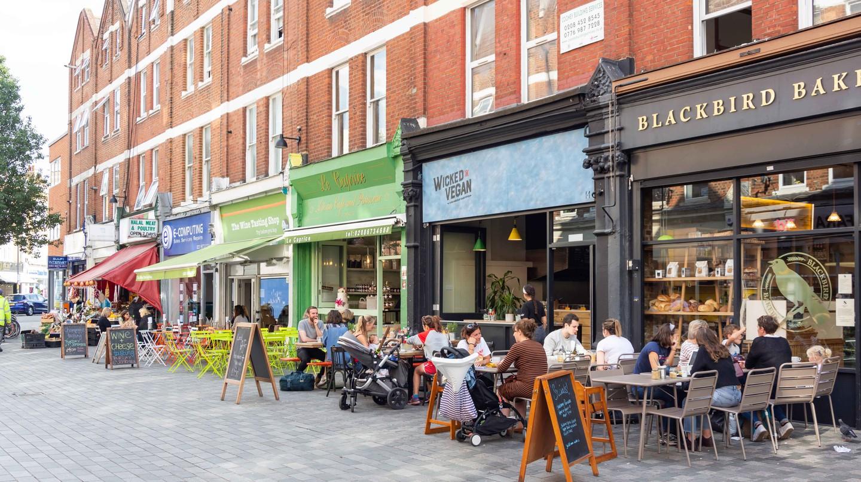 Outdoor restaurants, Hildreth Street, Balham