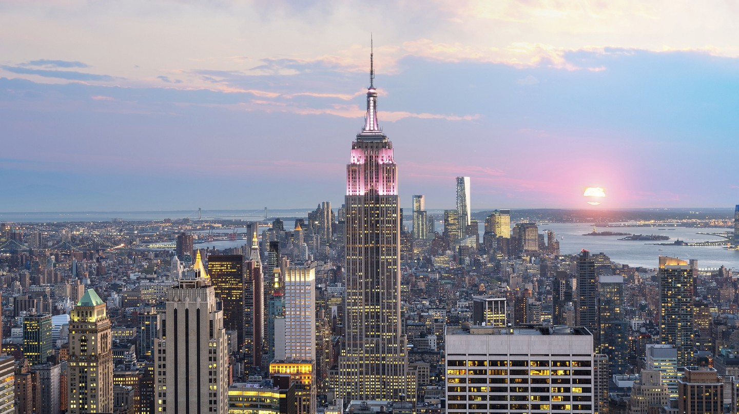 New York City Skyline with Empire State Building, New York, USA.