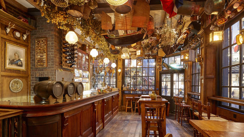 Mr Fogg's Tavern in London's Covent Garden features an eccentric interior