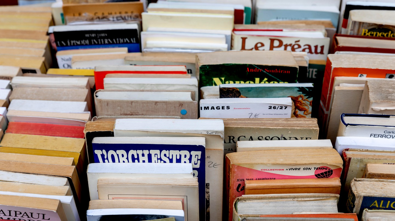 Second-hand books, outsidean  antiquarian bookshop, Paris