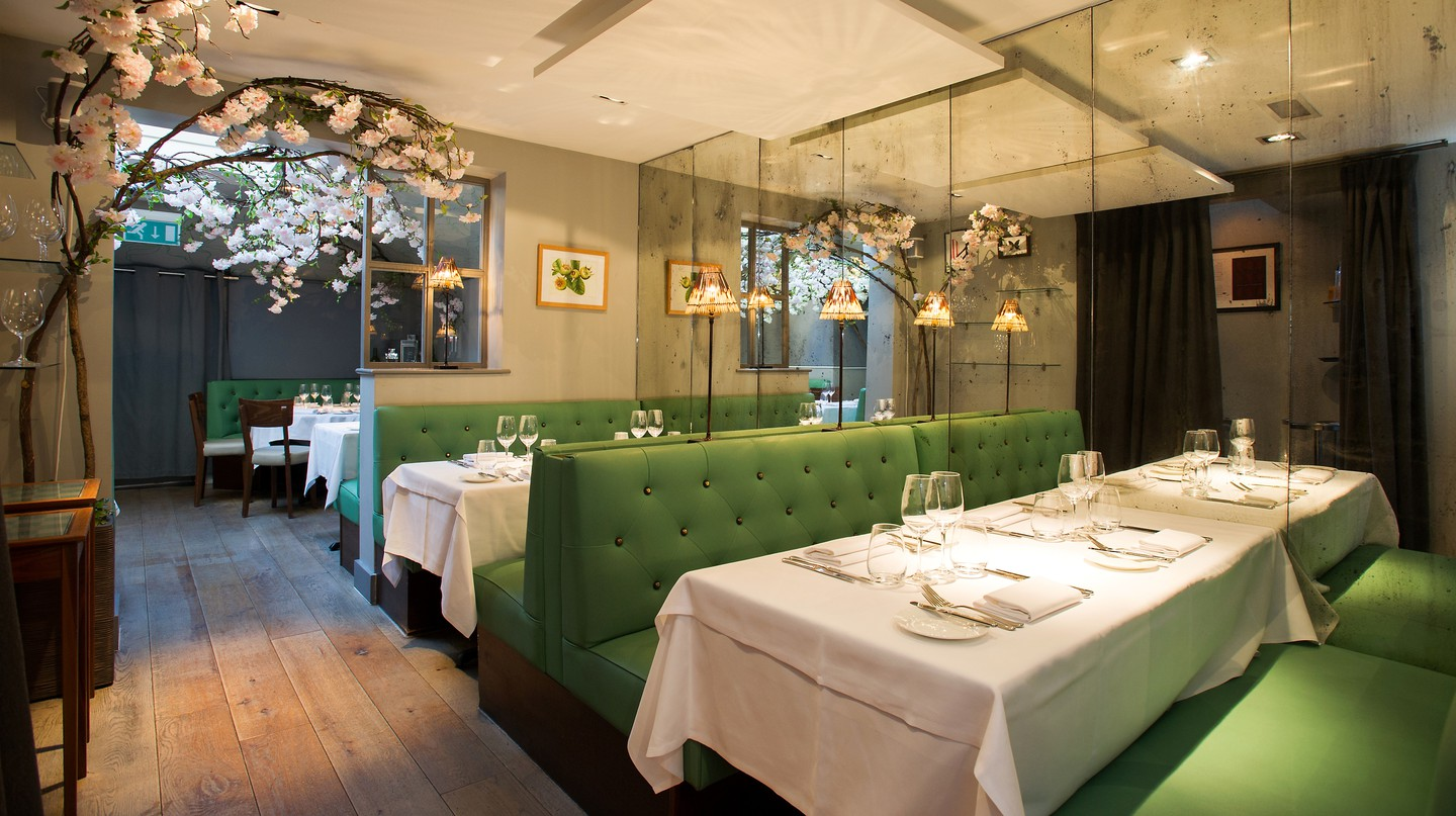 Medlar in London offers comfortable seating options