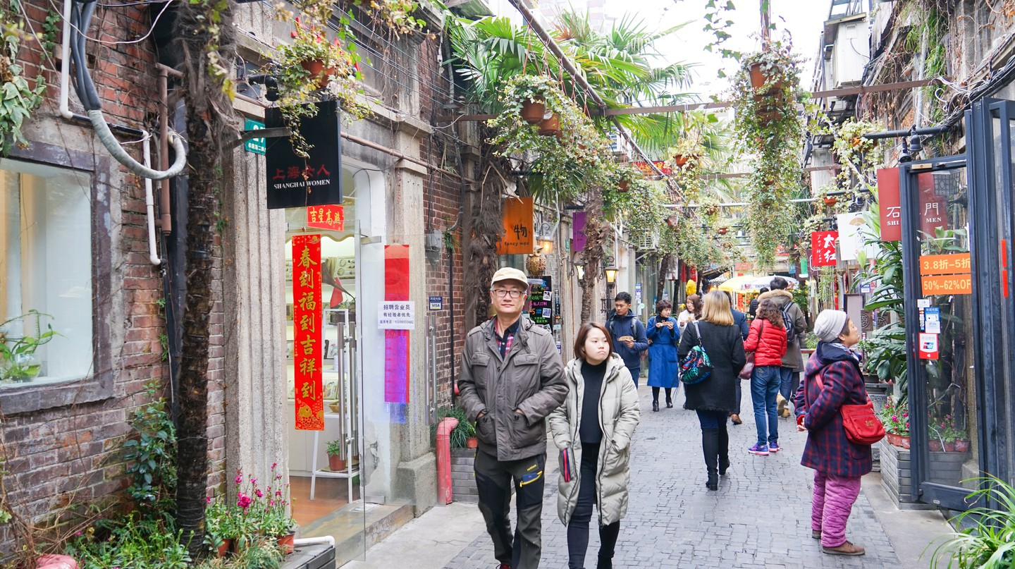 Tianzifang is the narrow alleyways of old Shanghai recently developed into a touristic arts and crafts enclave