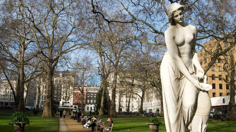 Berkeley Square Gardens, Mayfair, London.