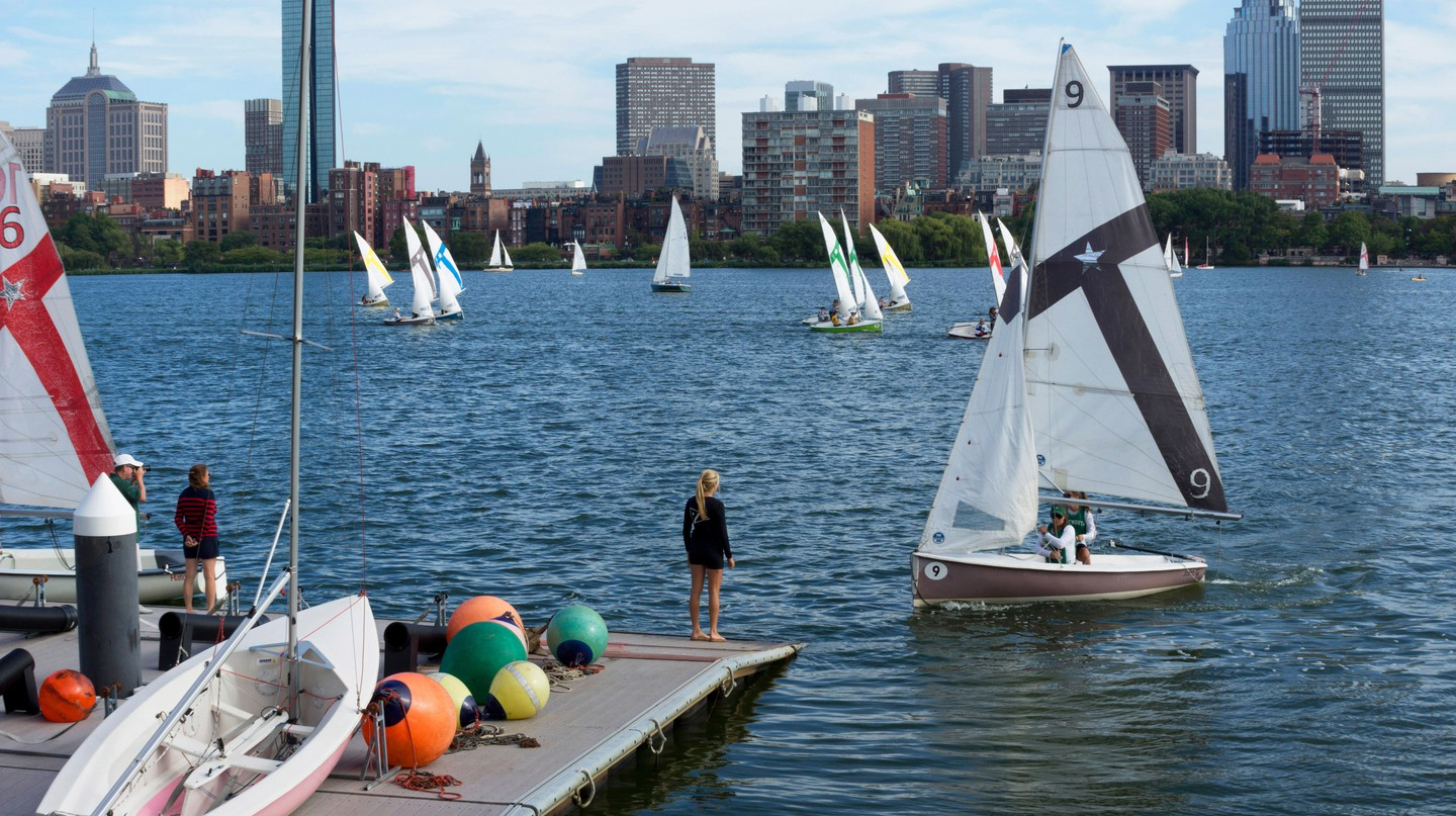 The Charles River separates Boston from Cambridge and offers many recreational activities