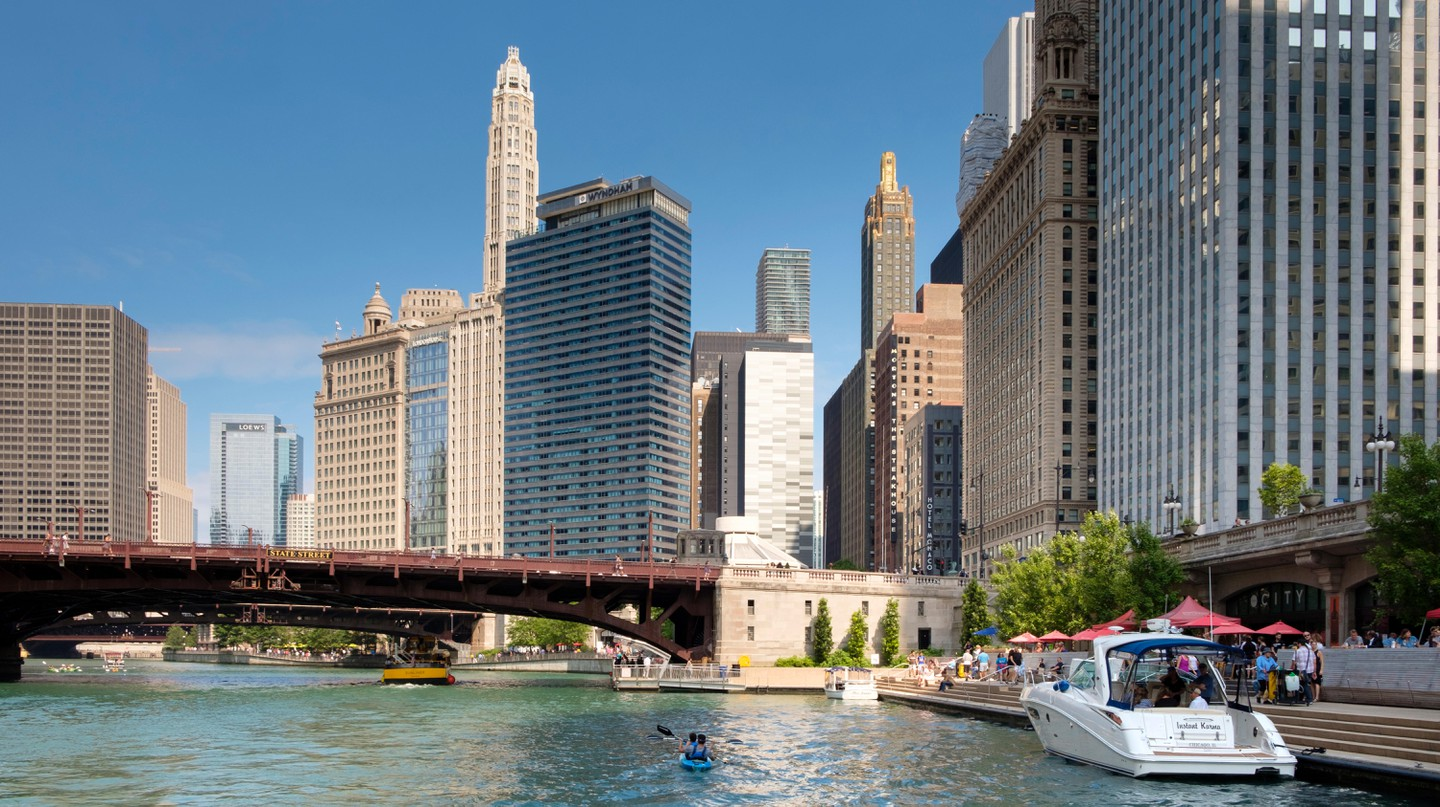 Discover Chicago's unique history via fascinating tours