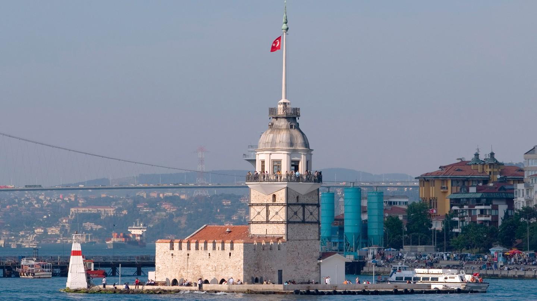 Make sure to check out the Kız Kulesi (Maiden's Tower) in Kadıköy