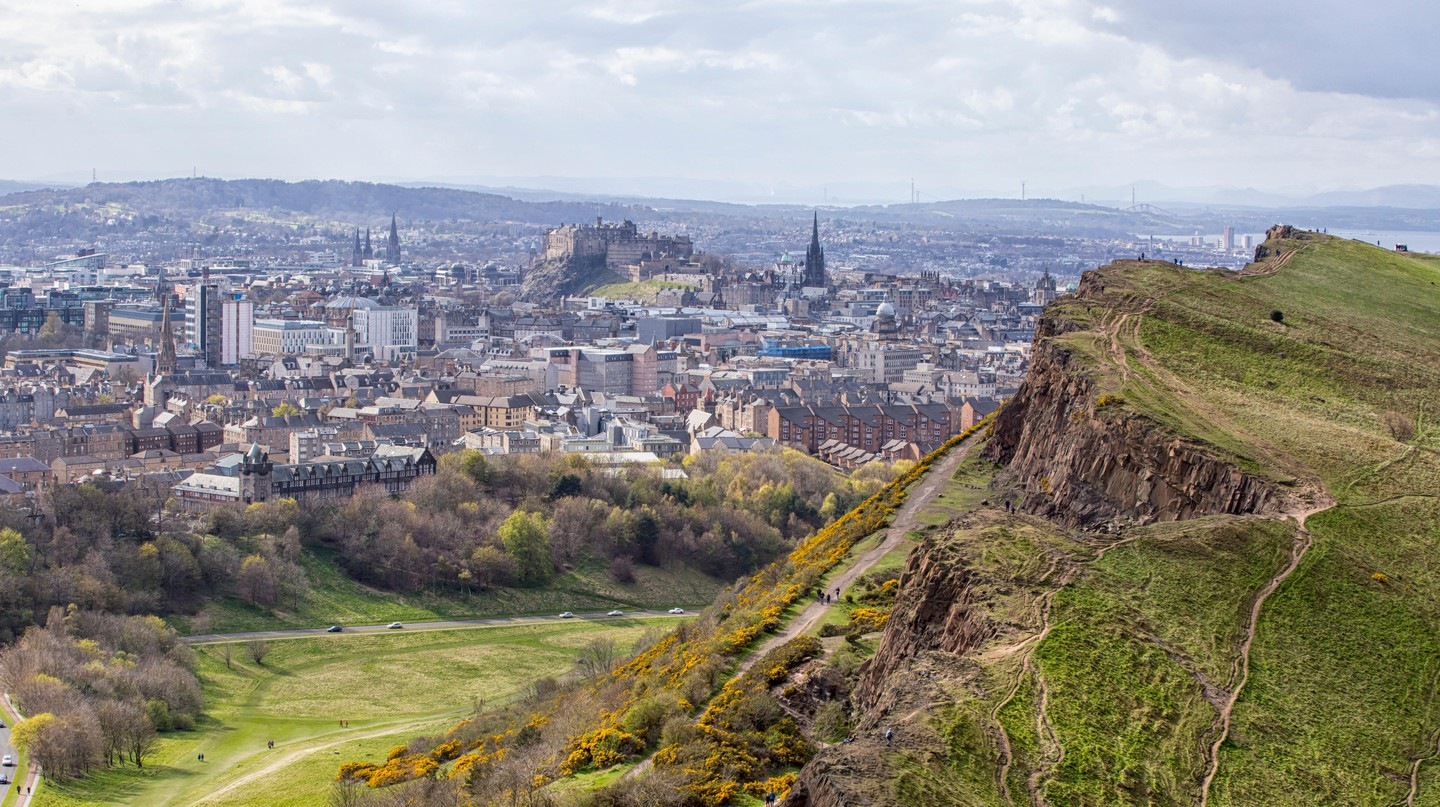 Guided tours are an excellent way to learn more about Edinburgh