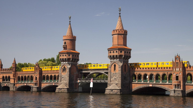 Oberbaum Bridge, Friedrichshain-Kreuzberg, Berlin