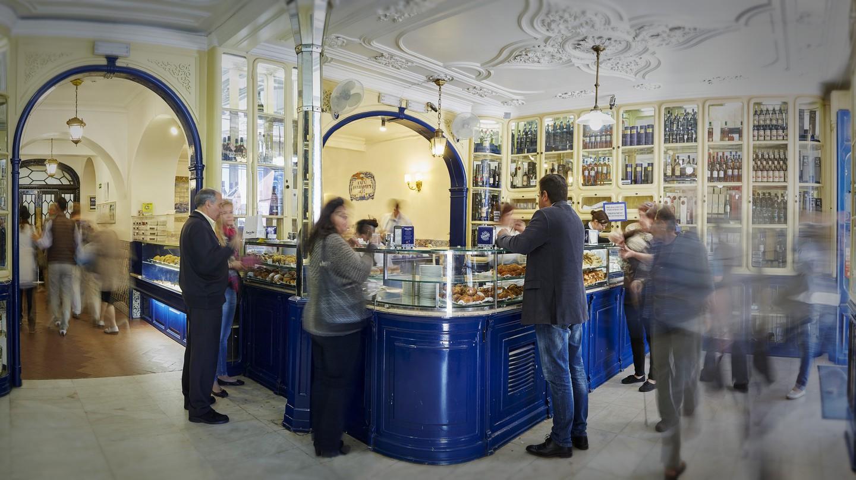 Business is brisk for pastéis de nata in Lisbon