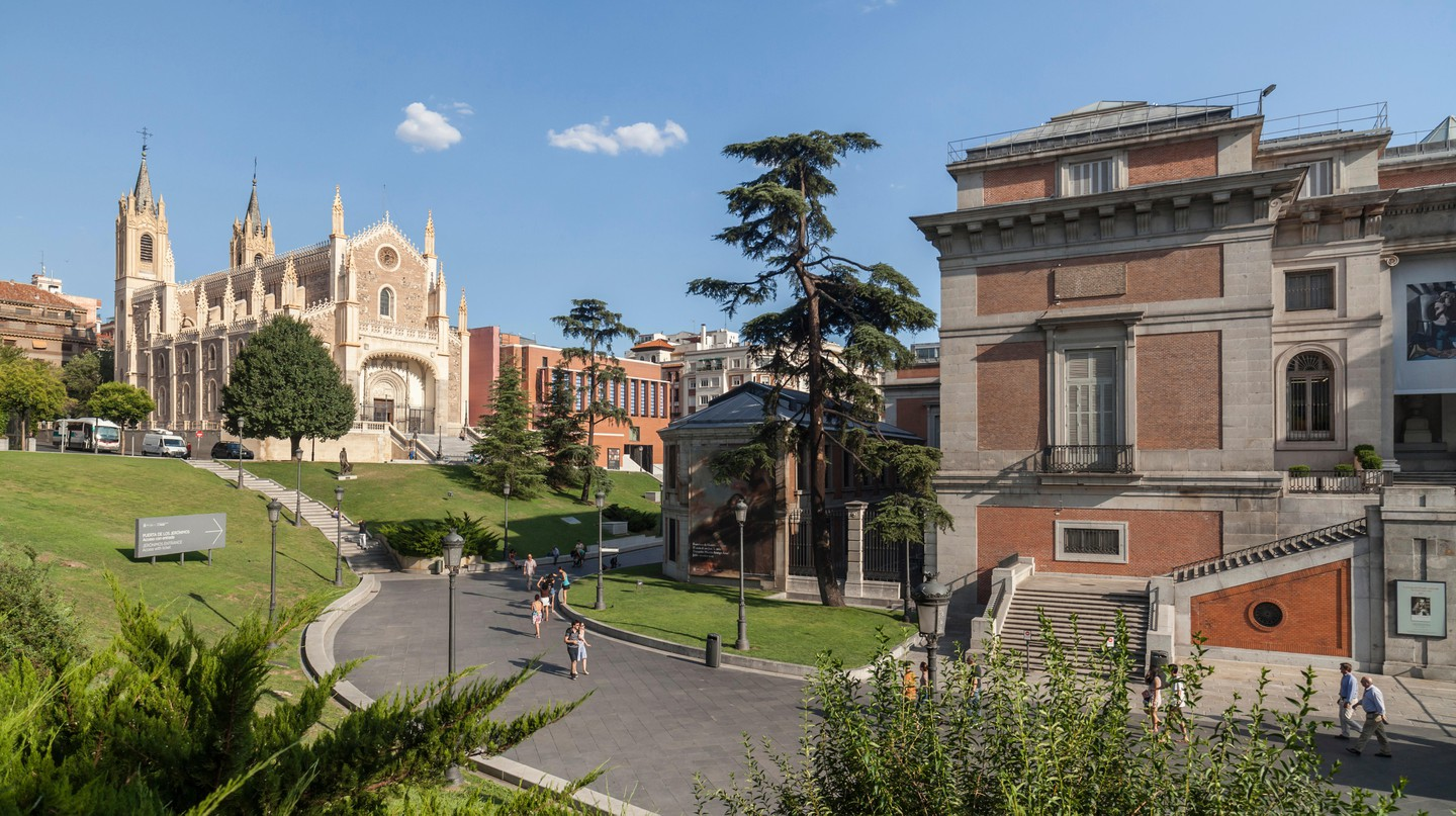 Explore Madrid's top attractions on a guided tour