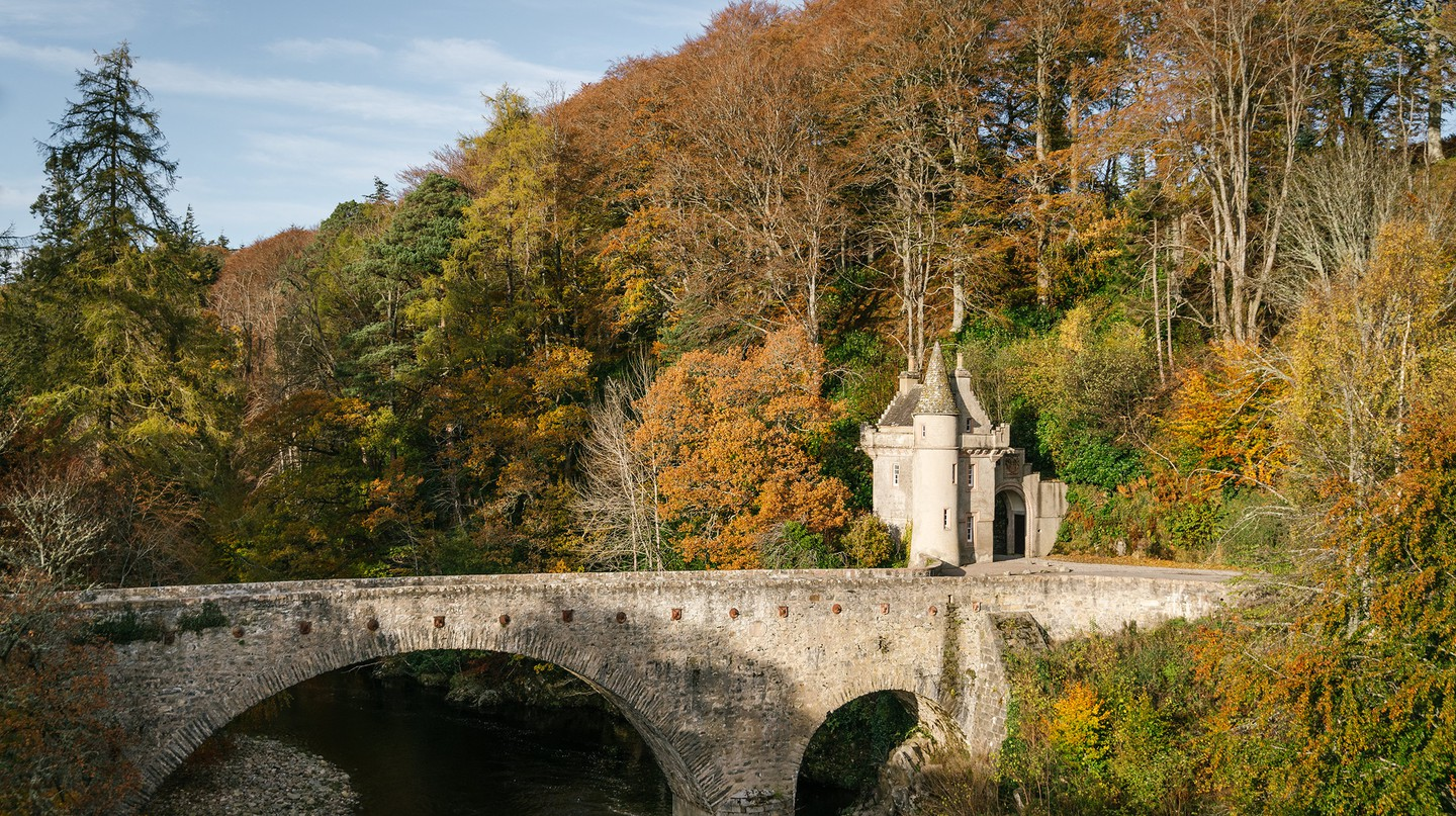 The Bridge of Avon, which stretches past Ballindalloch Castle, was built in 1800