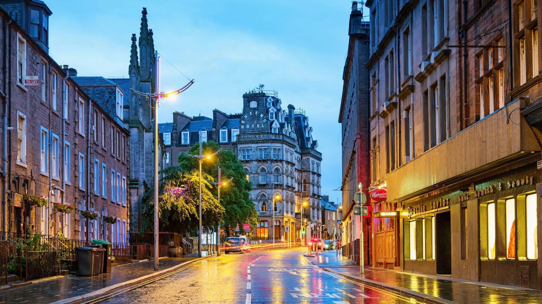 Explore Dundee's bar and pub scene to enjoy true Scottish hospitality