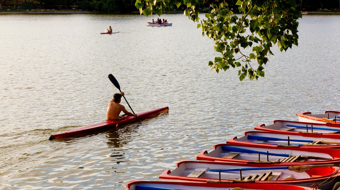 Kayaking on the lake in Casa de Campo park, Madrid