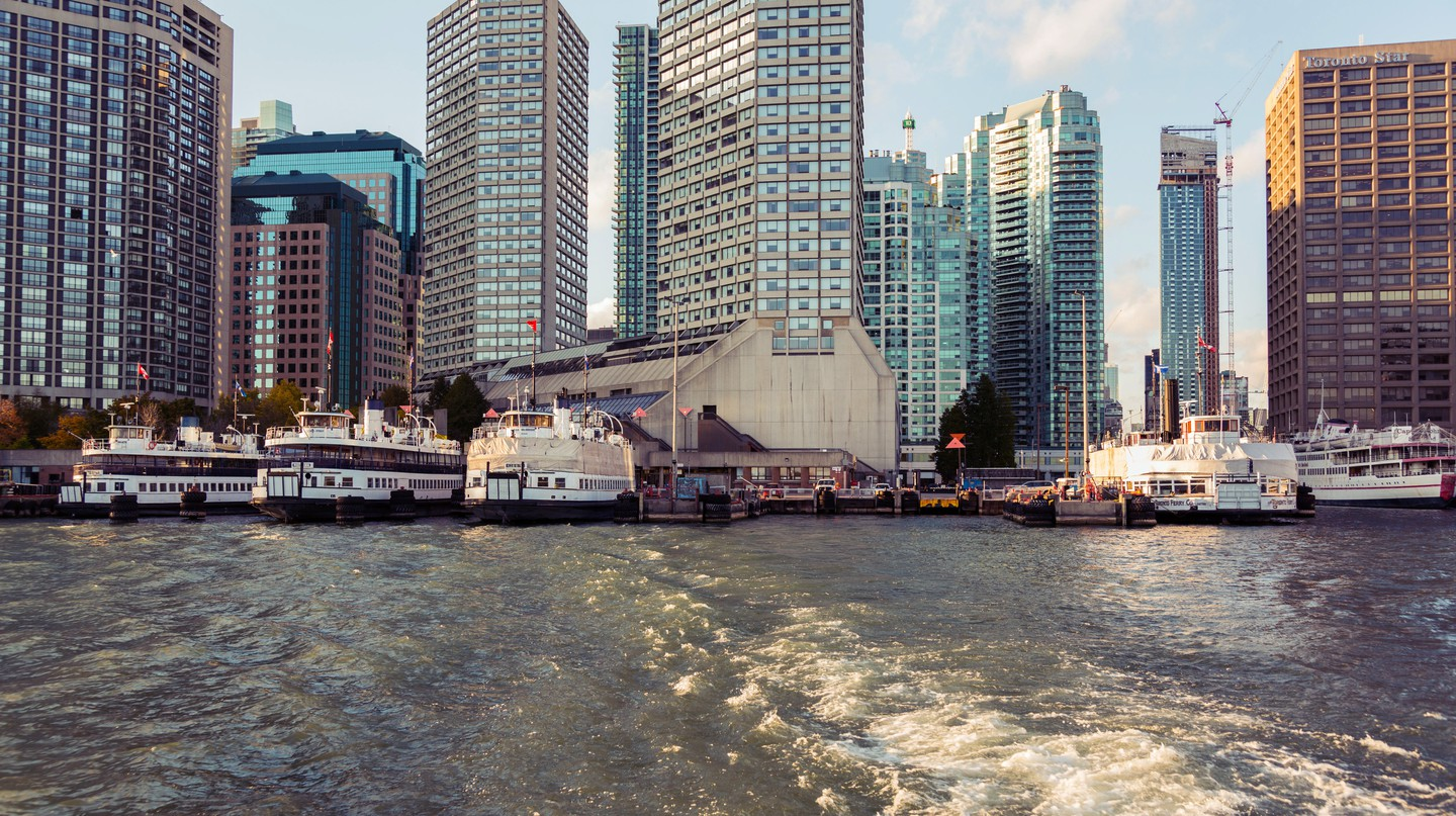 Enjoy good food and great views on the Toronto Islands