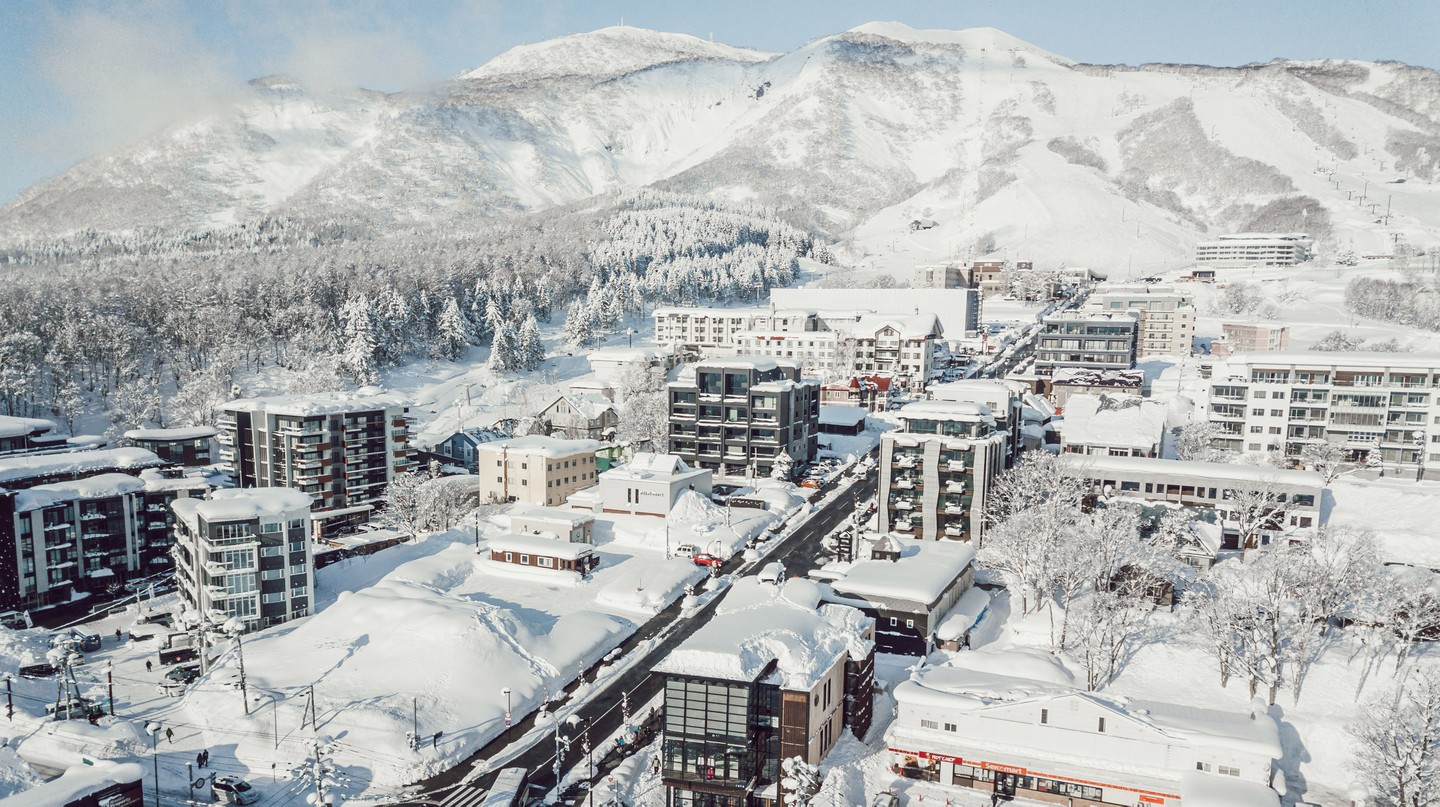 Niseko is an ideal winter destination, whether you're a keen skiier or an enthusiastic foodie
