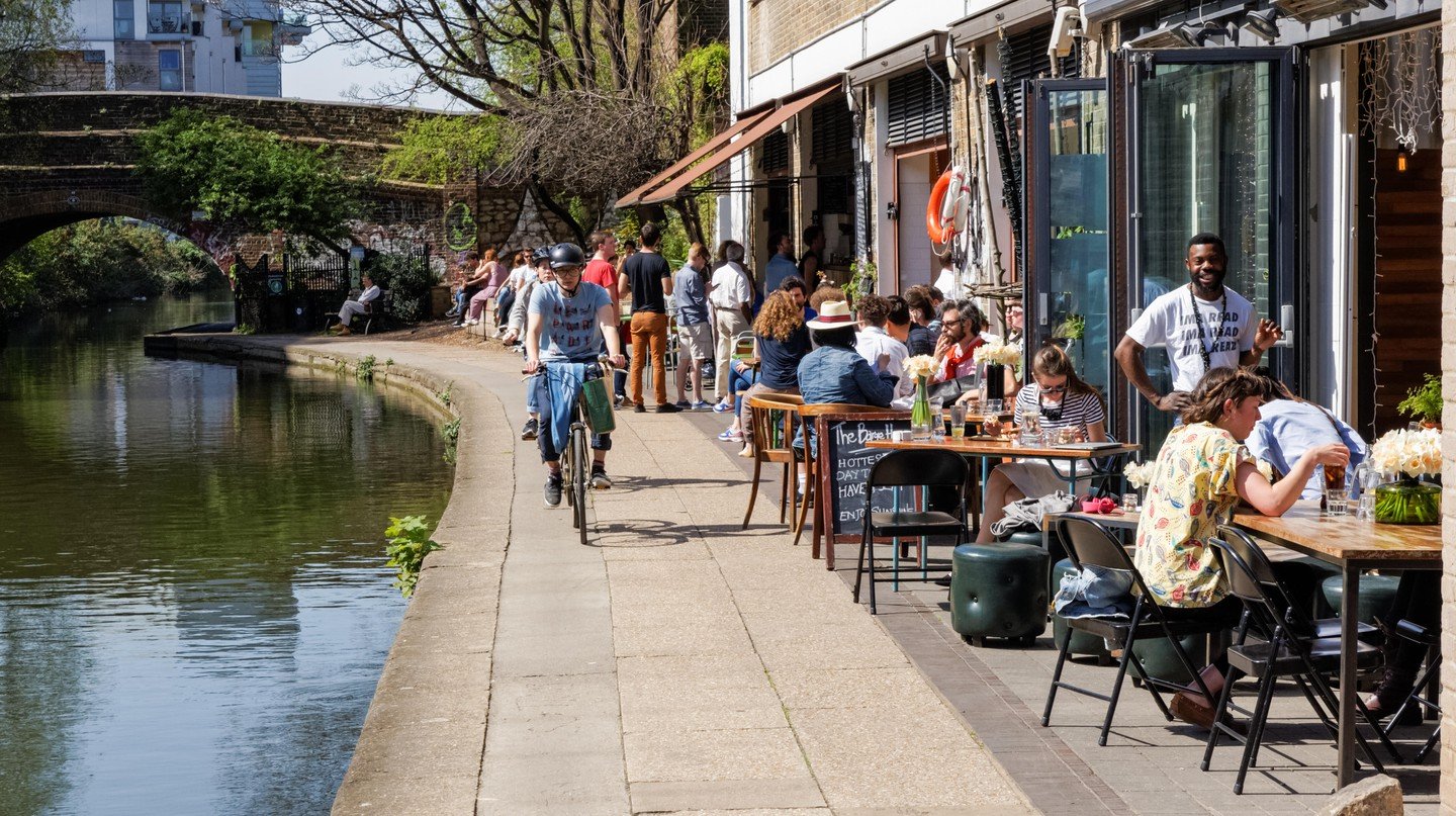 London's Regent's Canal is a lovely spot for a meal