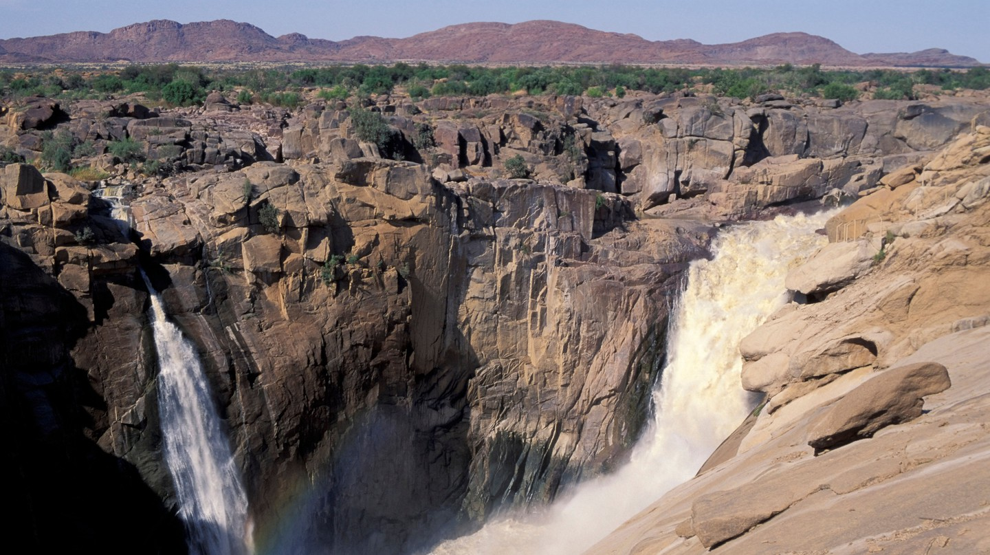 Marvel at South Africa's beautiful waterfalls such as Augrabies Falls