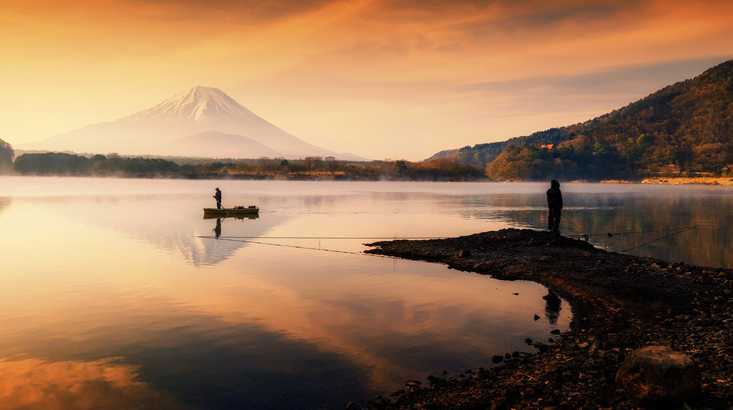 Fuji Five Lakes offers picturesque views of Mount Fuji