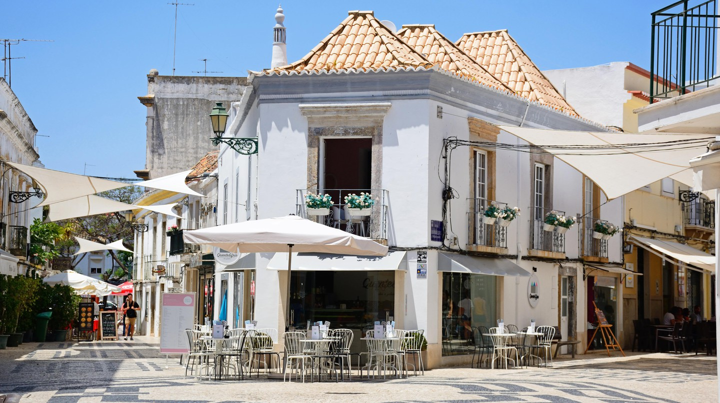 Faro is a wonderfully walkable city