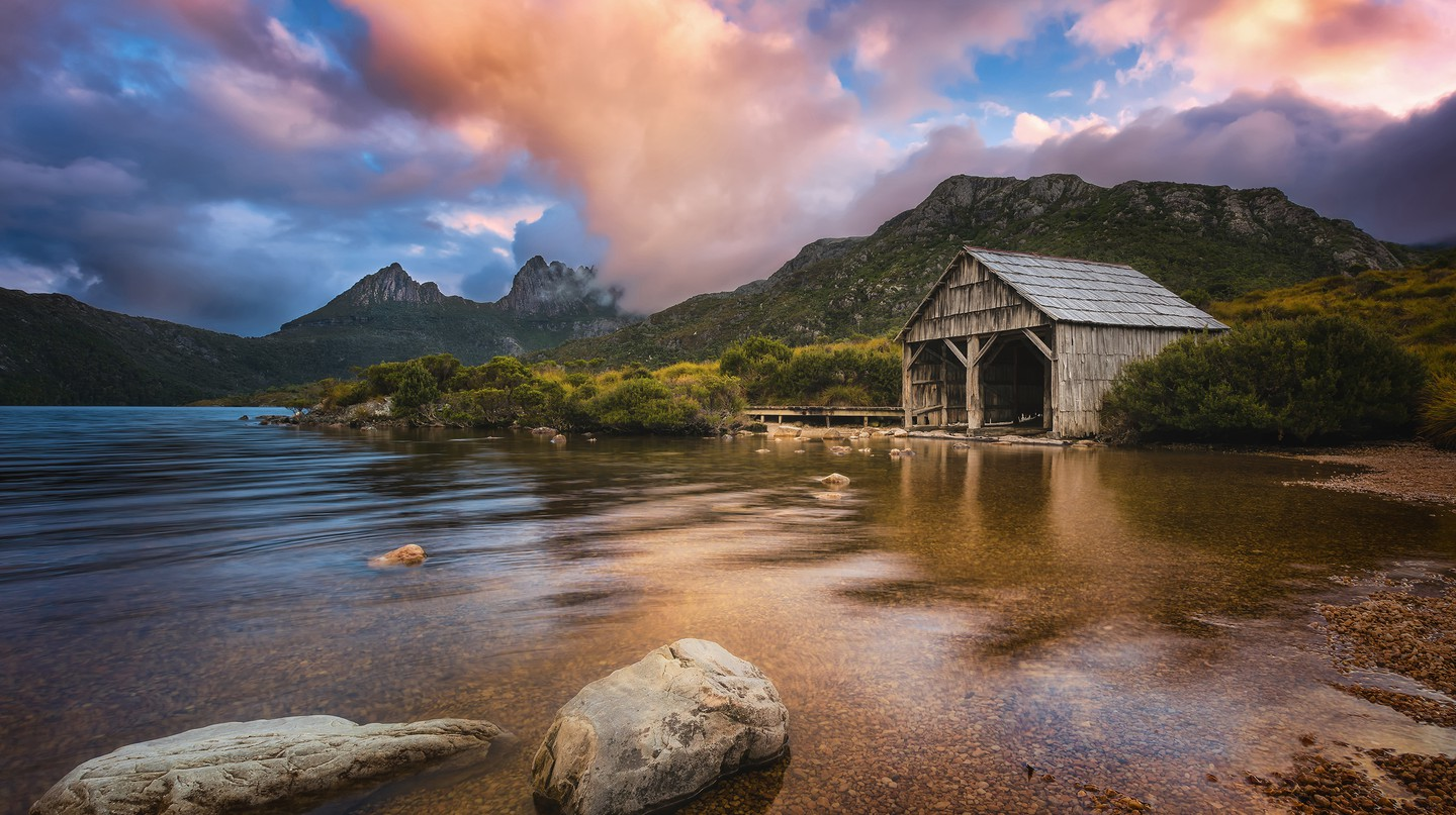 Travelling by car is the best way to take in all the spectacular sites Tasmania has to offer
