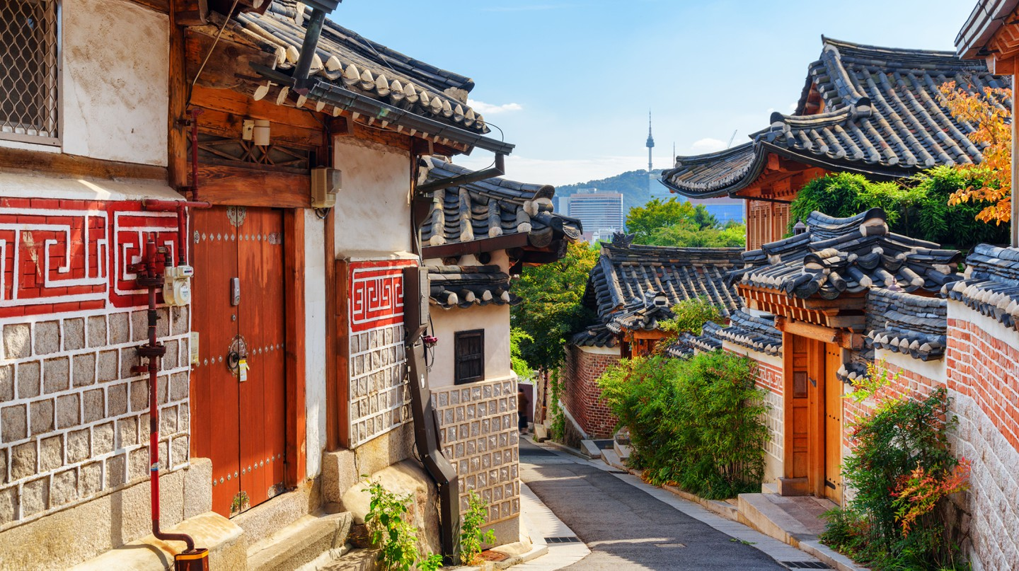 Discover the best ways of exploring Seoul virtually
