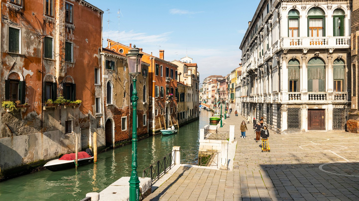 Take a stroll along the canals to find some of the best restaurants in Italy