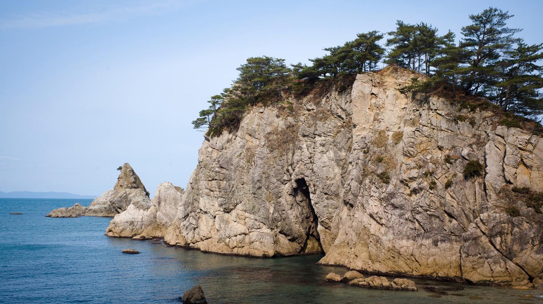 Sasagawa Nagare is a short but beautiful stretch of coastline in Niigata Prefecture, Japan