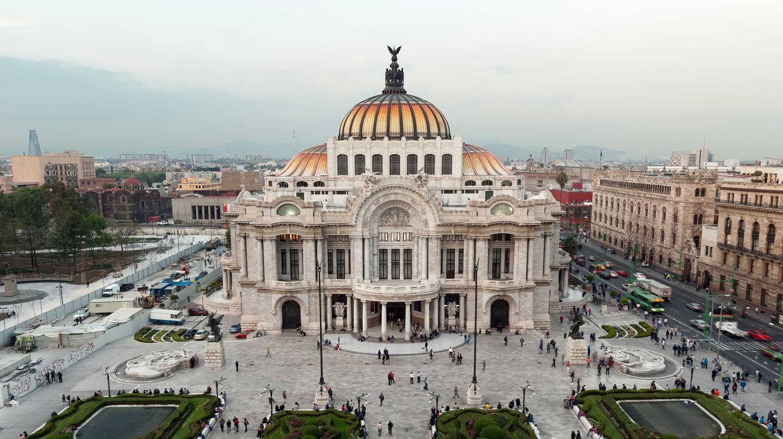 The Palacio de Bellas Artes is one of Mexico City's most popular destinations