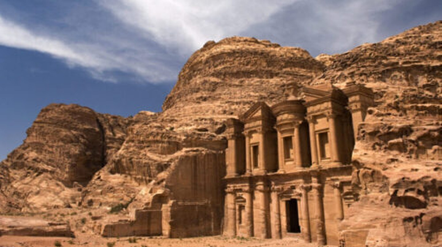 Take a virtual tour around the ancient city of Petra