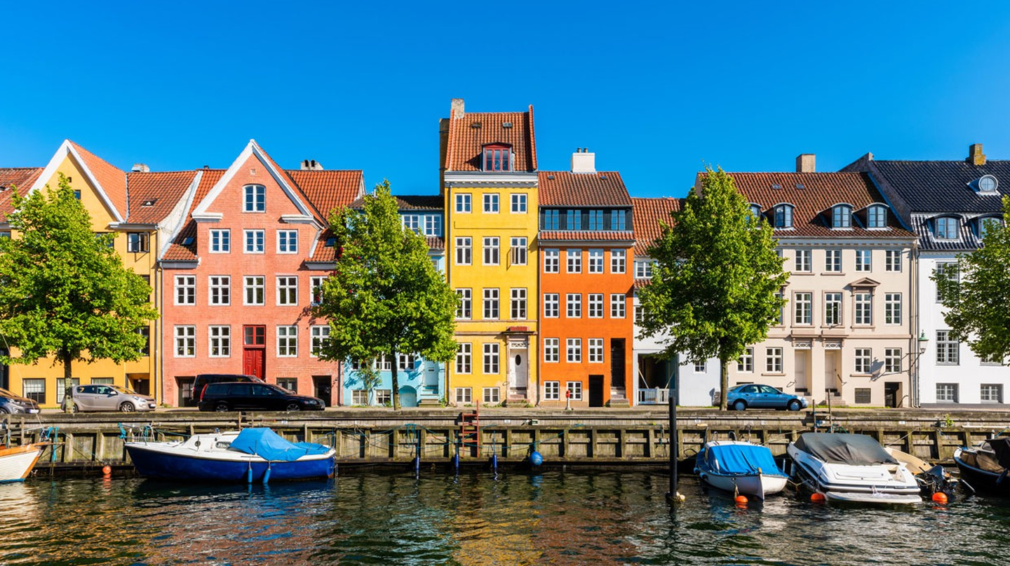 With its colourful houses and relaxing canals, Copenhagen offers the visitor plenty of 'hygge'