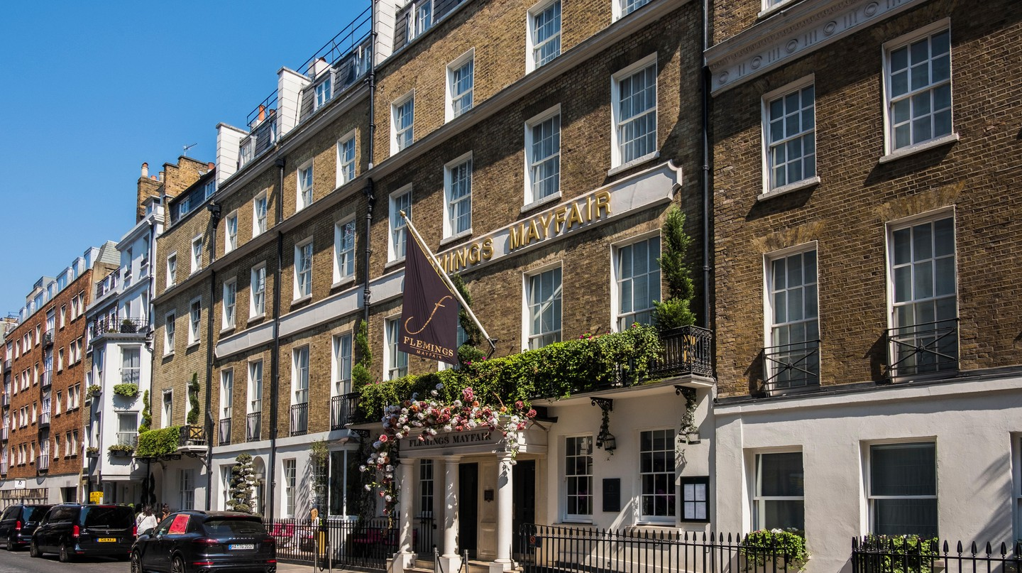 London's most luxurious hotels can be found lining the streets of Mayfair, Knightsbridge and other wealthy well-known pockets of the city