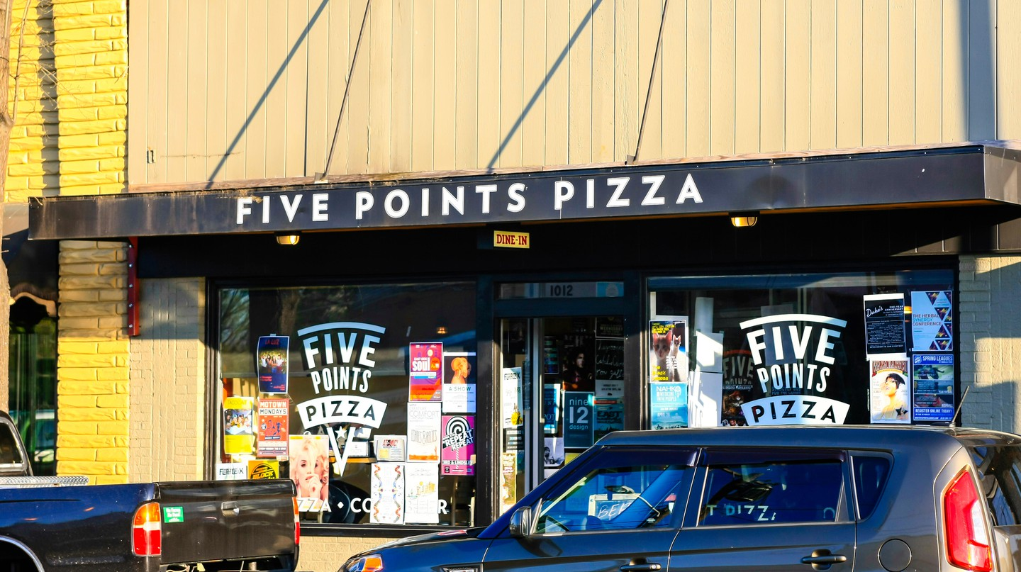 Five Points Pizza in East Nashville serves delicious New York-style pizza