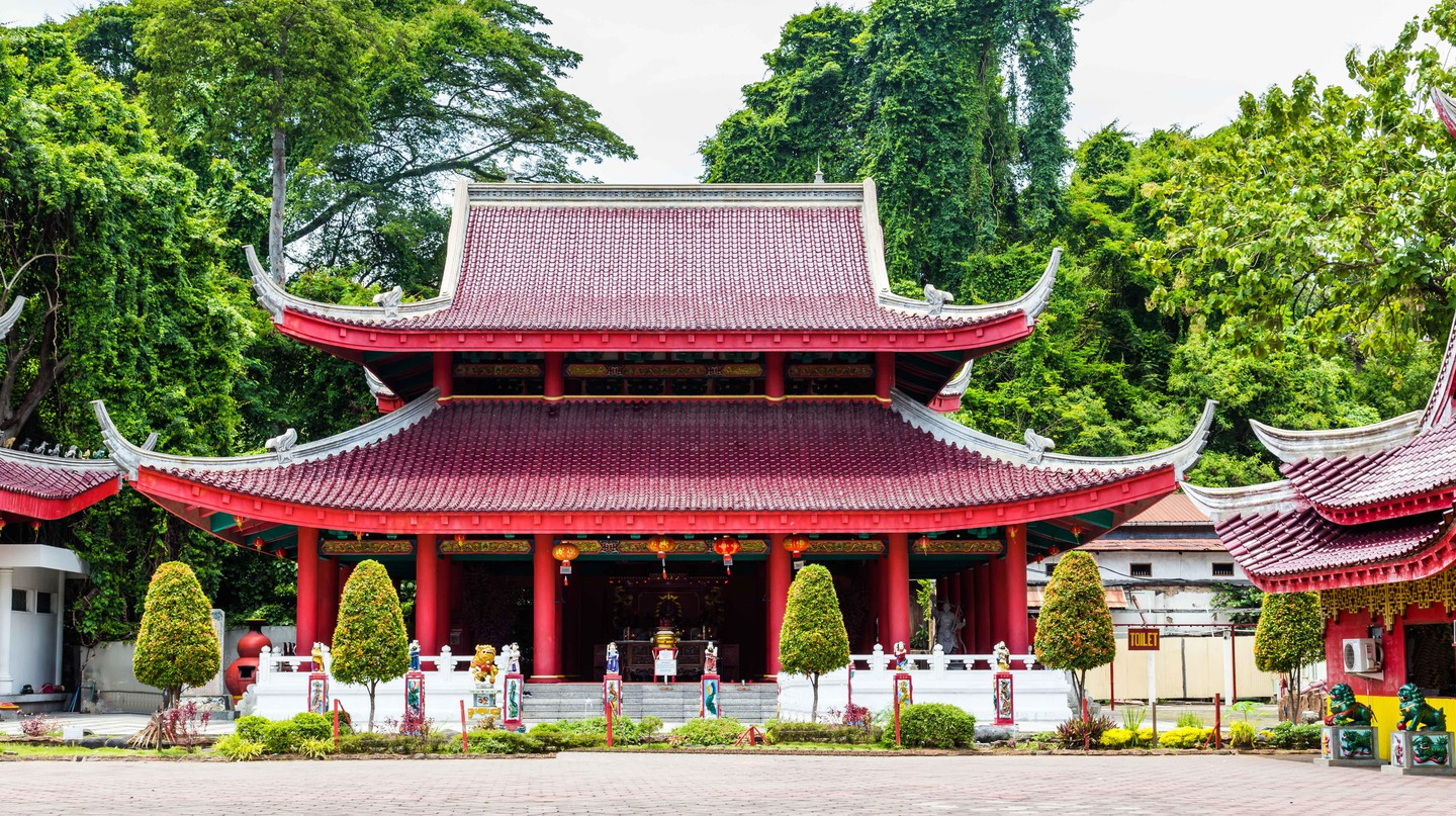 Sam Poo Kong Temple is dedicated to the 14th-century Chinese Admiral Zeng-He