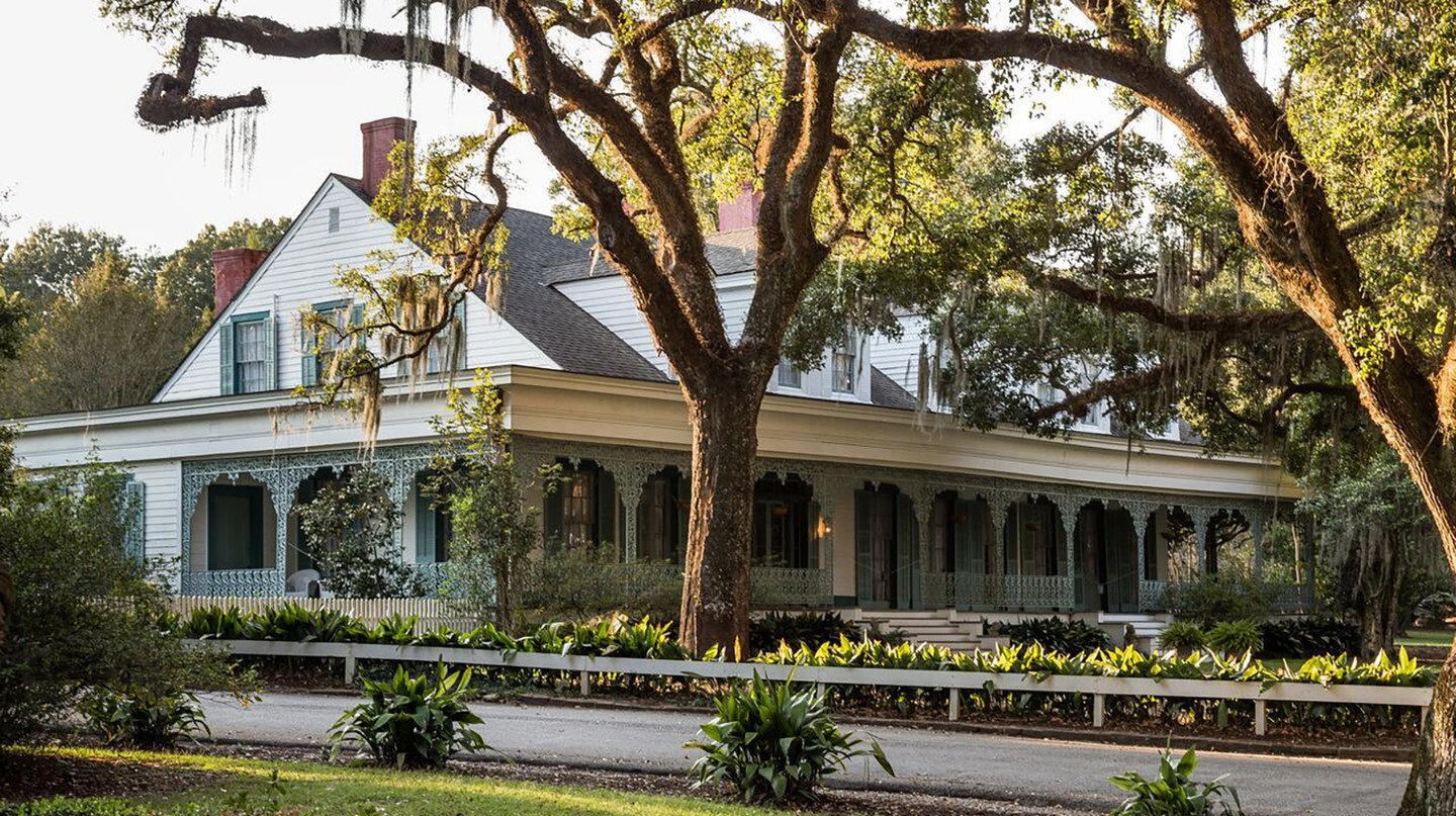 The Myrtles Plantation in Louisiana is said to be haunted by more than 12 ghosts