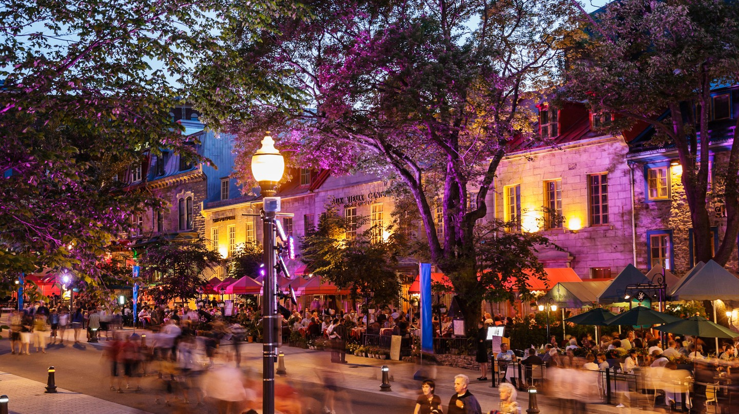 Dining alfresco is popular in Quebec City – and Quebecers love to dress up at night