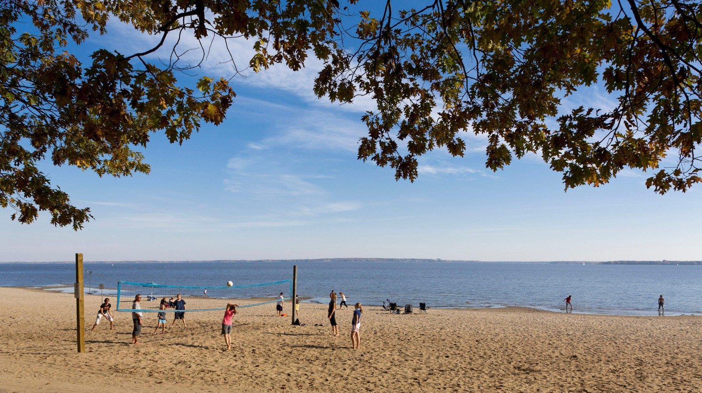 Montreal's beaches offer a diversity of activities and places to chill out