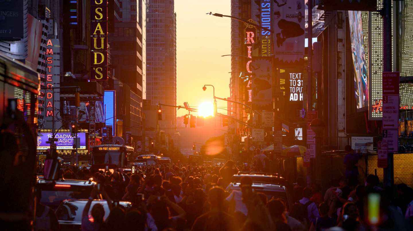 Manhattanhenge is a stunning sight, when you can watch the sun set down the street